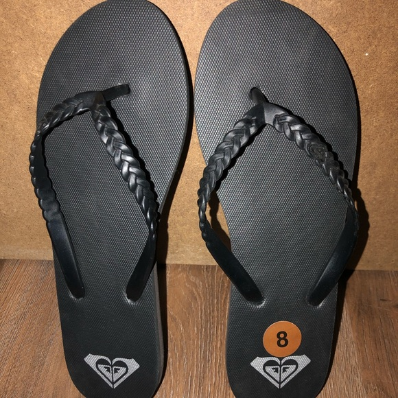 Roxy sandals Size 8